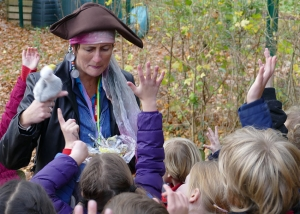 Waste Educator dressed as a Pirate and teaching children about plastic pollution